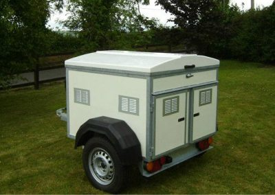 2 Berth Dog Trailer with Roof Storage