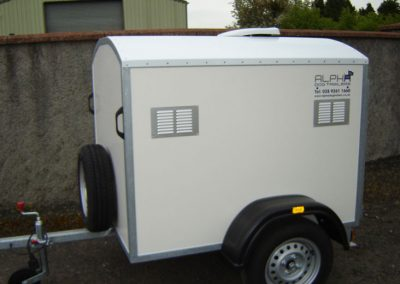 2 Berth fixed roof trailer with 12v fan and extra height for large dogs